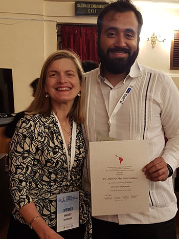 Mandy Burrows (WAVD Scholarship Committee Chair) and Alberto Martin Cordero (LACVD diplomate)